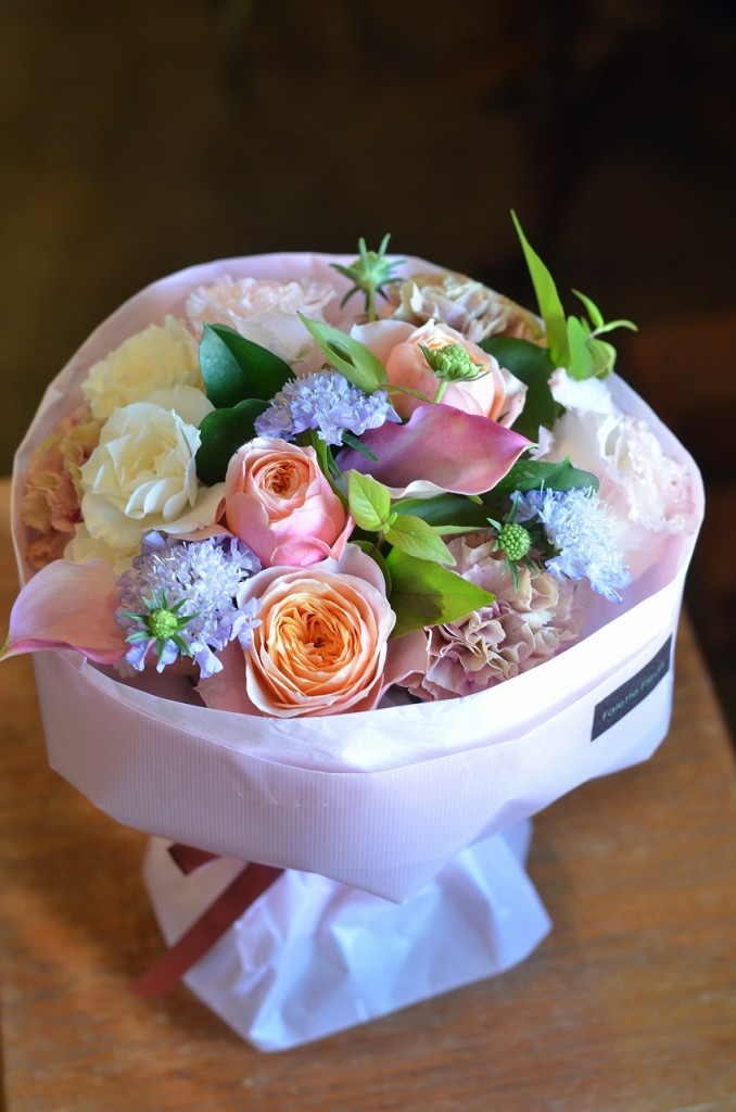 そのまま飾れるマジカルブーケ【素敵におまかせ】ご用途に合った最良の花をチョイスしてお作り致します。花、色合いはおまかせになります。