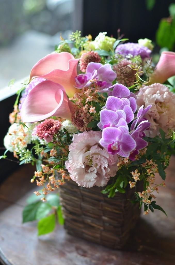 アレンジメント【素敵におまかせ】ご用途に合った最良の花をチョイスしてお作り致します。花、色合いはおまかせになります。